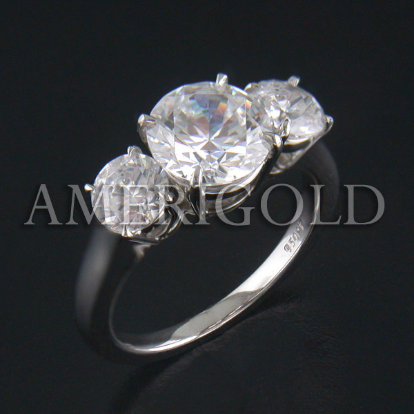 Round Diamond 3 Stone Ring