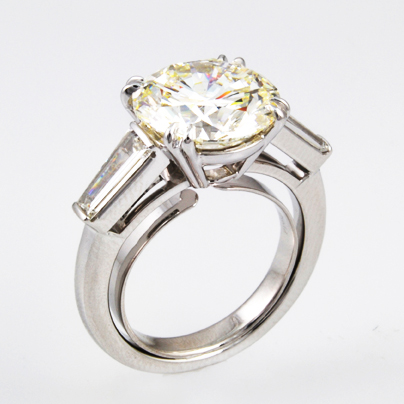 Round Diamond Three Stone Ring