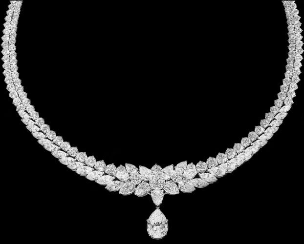 Luxurious jewelry design Custom Necklace Pear Shape and Round Diamond